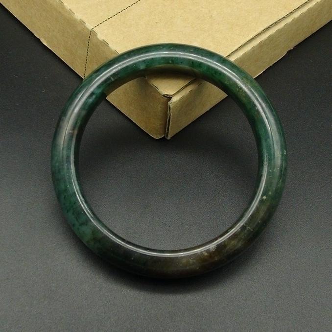 独山玉透水天蓝料手镯:圈口56.8MM扁条玉镯子